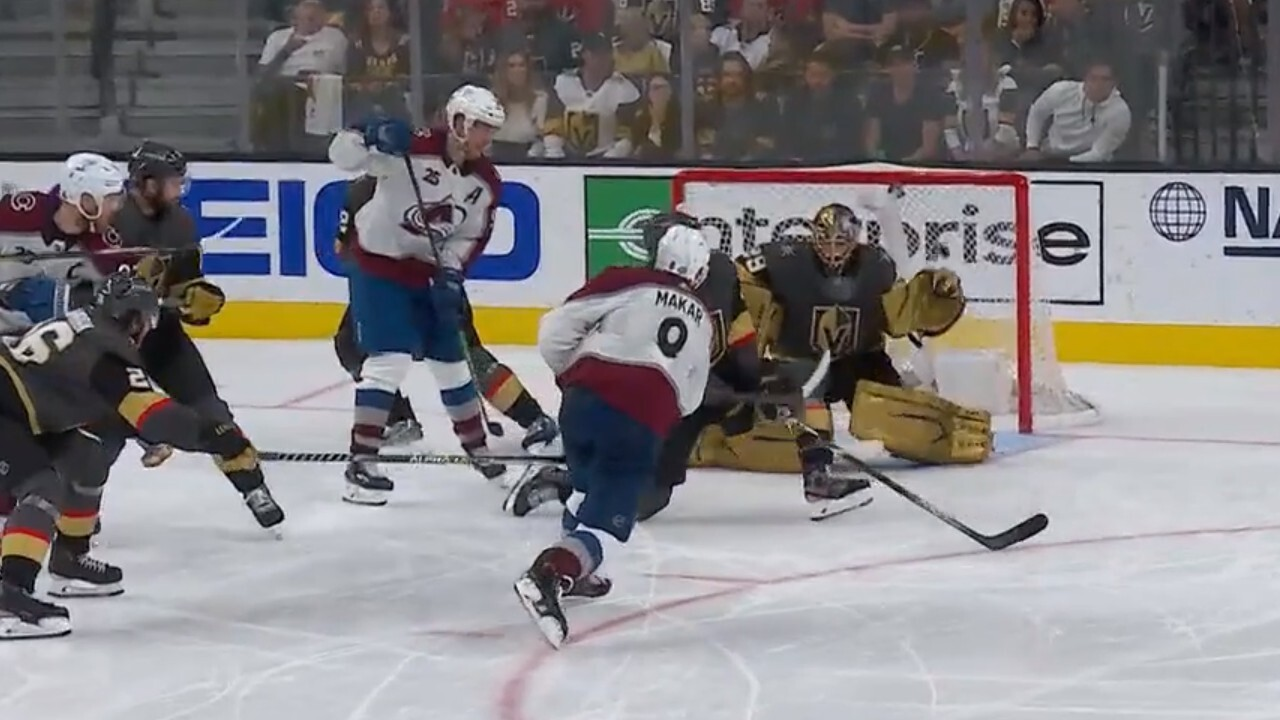 Fleury's play in the third period to maintain the leadership of the Golden Knights was the most important factor