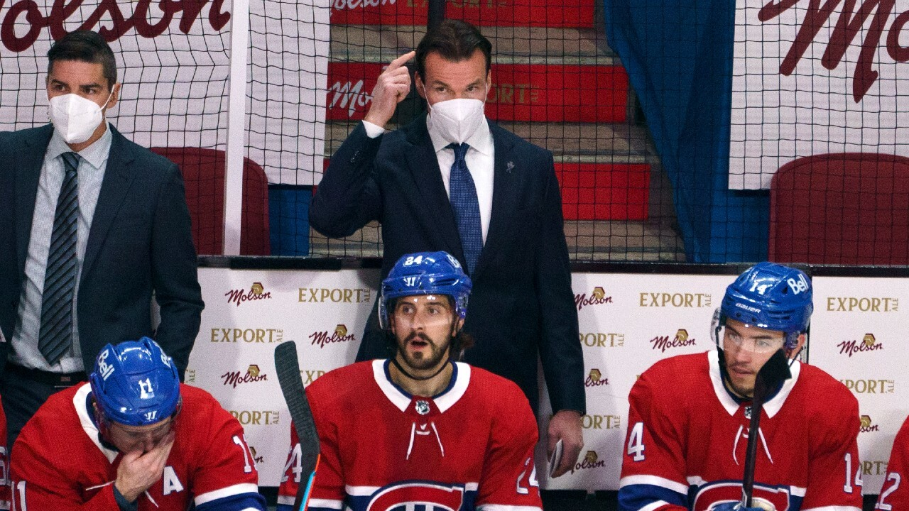 Richardson and Canadiens were talking to Showering me between periods