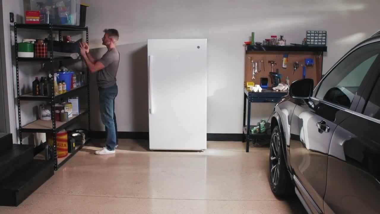 GE FUF17SMRWW Upright Freezer