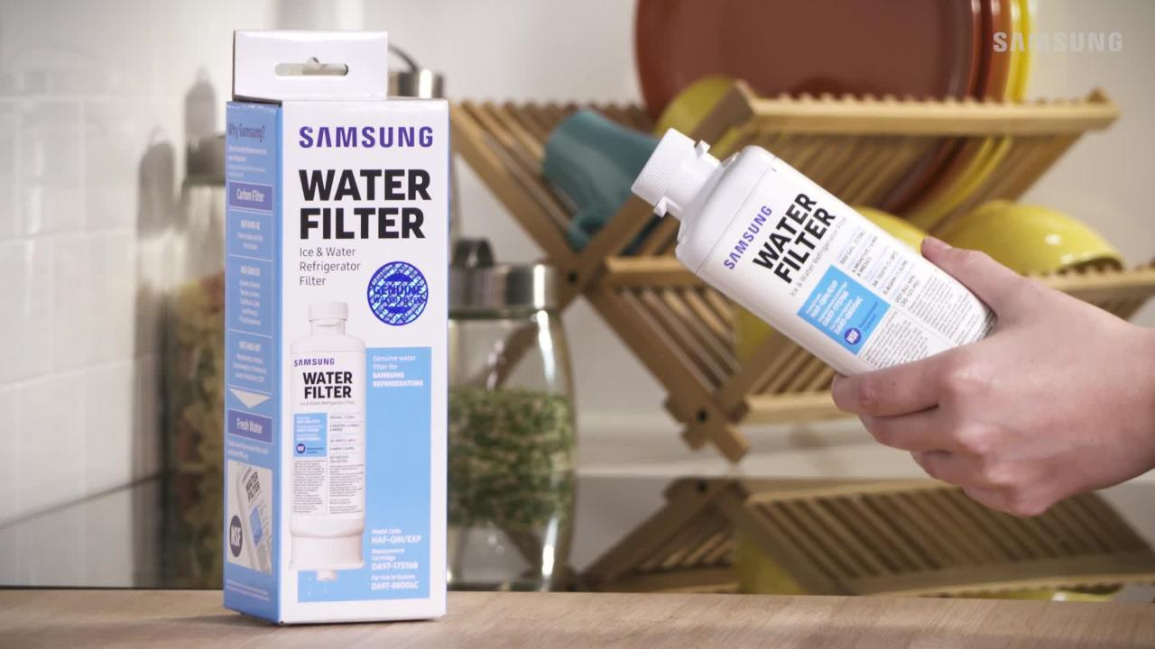 How to replace your HAF-QINS refrigerator water filter