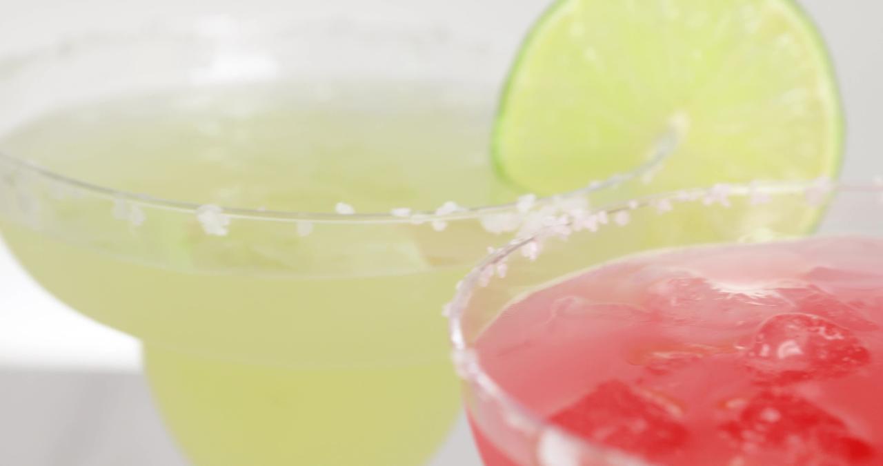Taco Tuesday TTLJ3LG Electric Lime Juicer & Margarita Kit