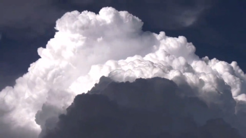 WATCH ALBERTA SKIES MOVE IN MESMERIZING CLOUD TIMELAPSE
