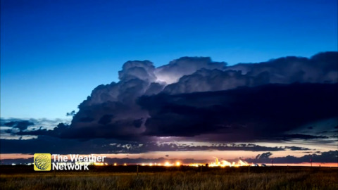 STUNNING TIMELAPSE SHOWS STORM CLOUDS LIGHTING UP IN ALBERTA