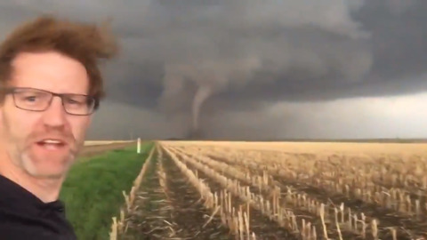 STORMHUNTERS CATCH A TORNADO AND JUST CAN'T CONTAIN THEIR EXCITEMENT