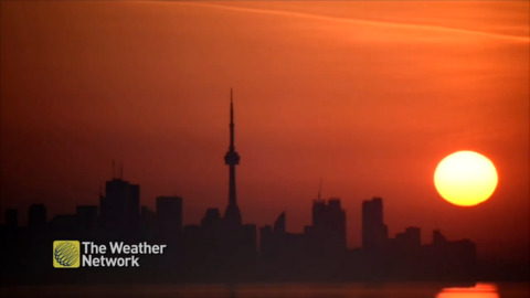 MARS-LIKE SUNRISE TURNS SKIES ORANGE IN TORONTO