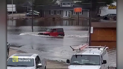 THIS JEEP OWNER DECIDED TO TEST THE DEPTH OF HUNTSVILLE, ON FLOODWATERS