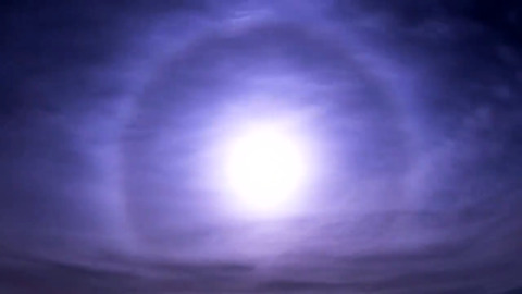 RARE MOON HALO SHINES OVER UK NIGHT SKY IN THIS TIMELAPSE VIDEO