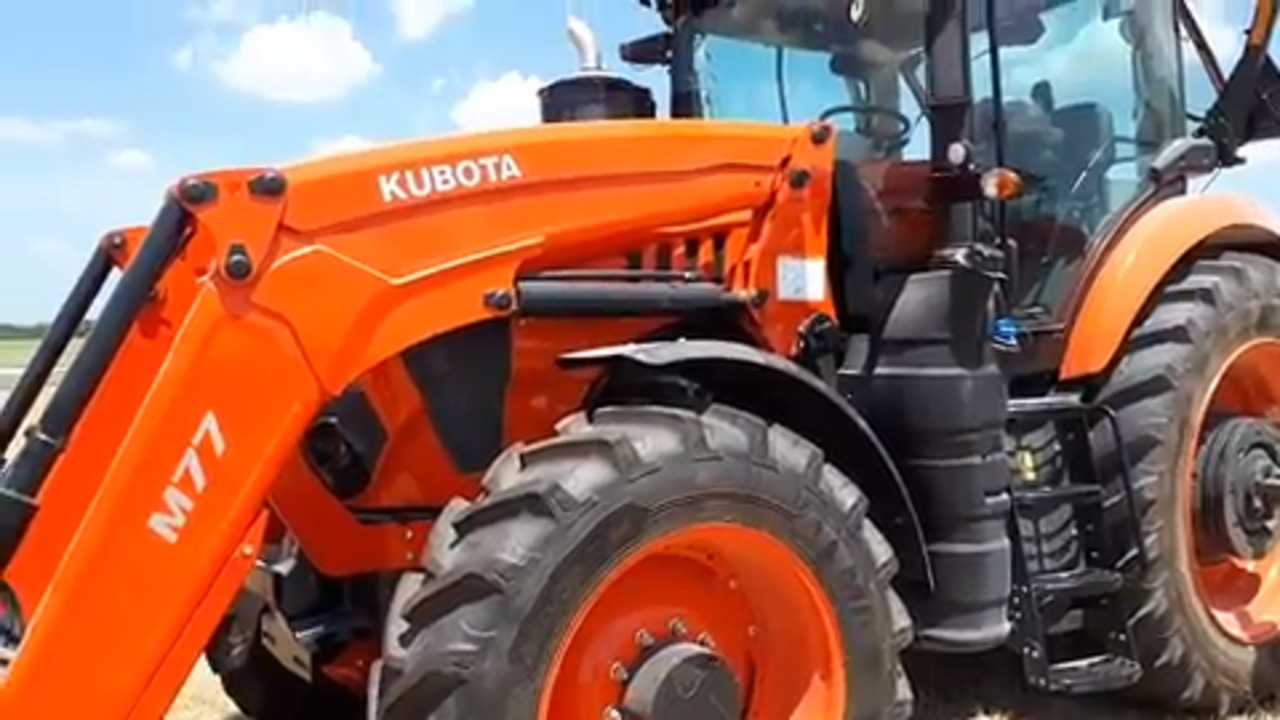eQuipTV: Putting the Kubota M8 tractor to the test | Grainews