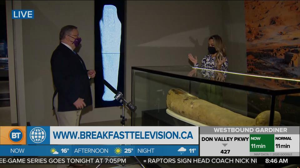 Nicole is LIVE at the Royal Ontario Museum (5 of 5)