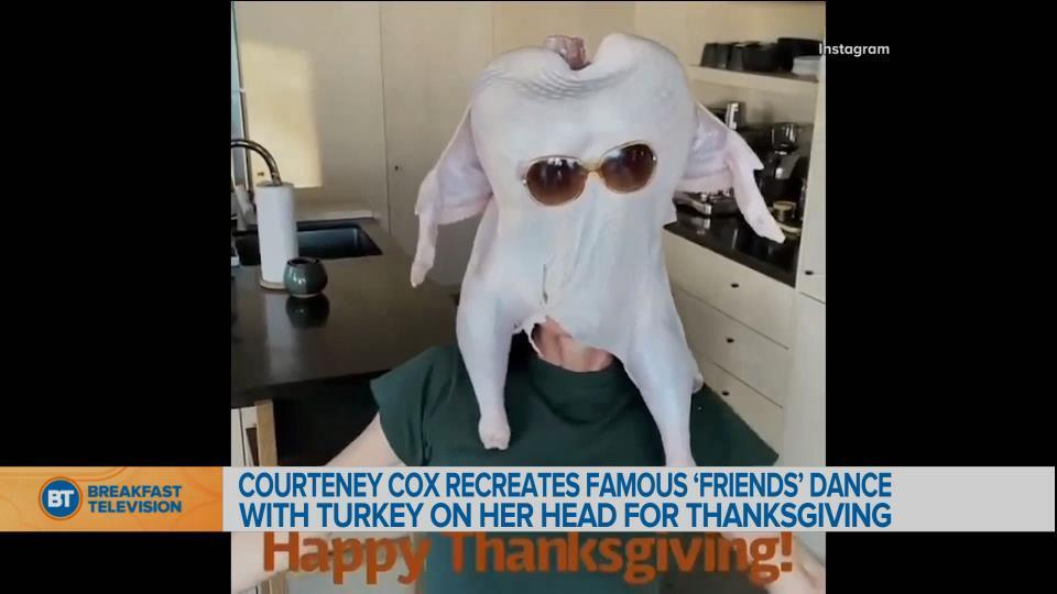 "Courteney Cox recreates famous ""Friends"" dance with turkey on her head"