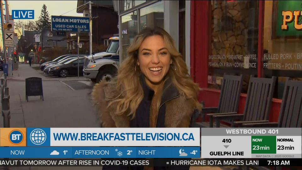 Nicole is LIVE at Leslieville Pumps General Store & Kitchen (1 of 4)