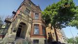 Visite guidée : Une maison ancienne située au centre-ville de Montréal