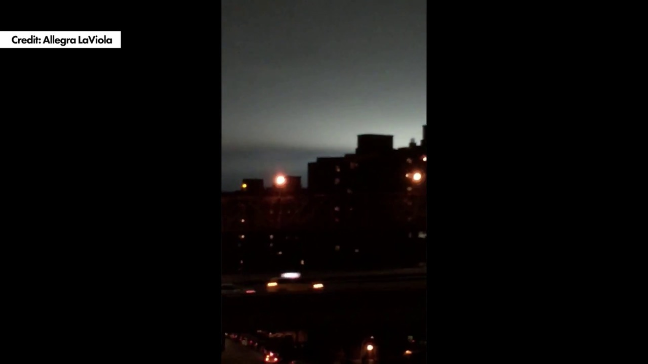 Blue light in the sky over NYC was 'not aliens': officials