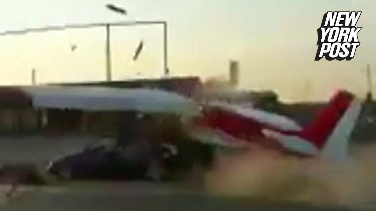 Small plane crashes into a van on the highway   (video) New