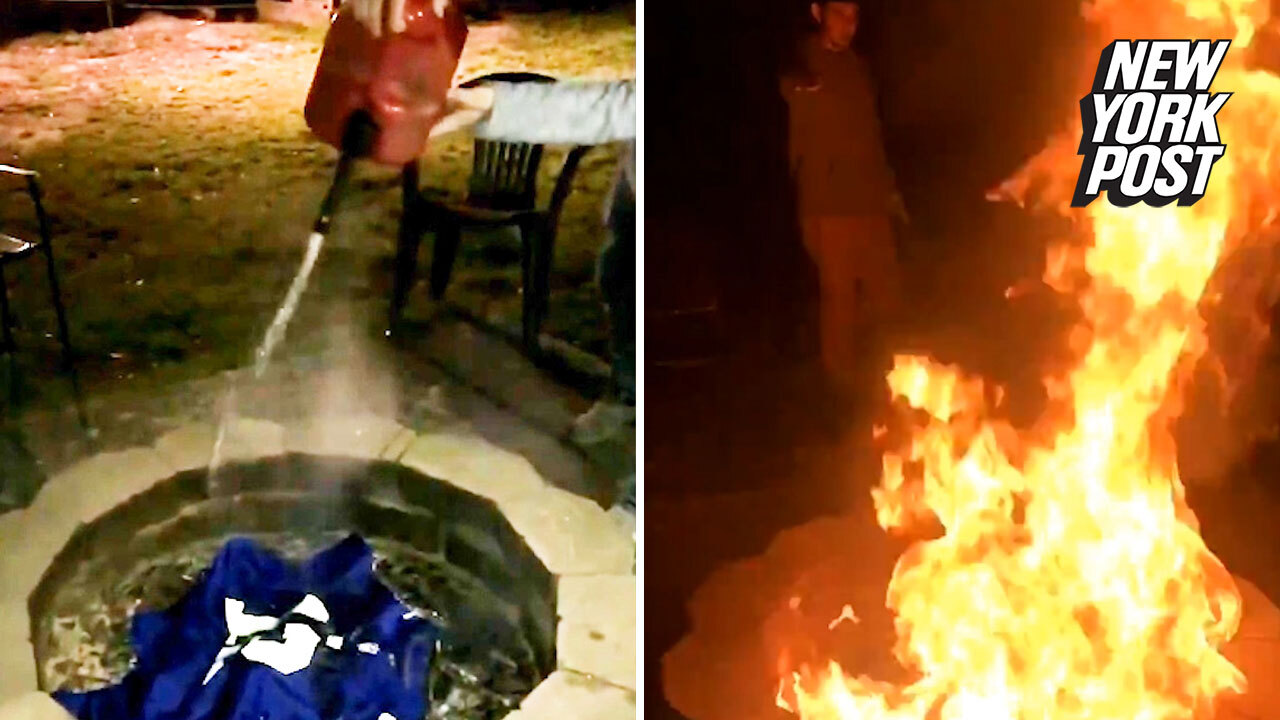 hot sale online 5a9a9 286fa Giants fans burn Odell Beckham Jr shirts following trade to Cleveland Browns