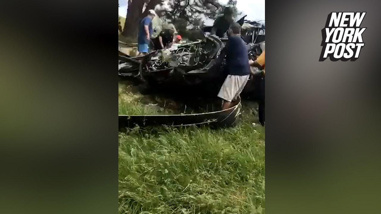 Crew member dies after Black Hawk helicopter crashes on golf