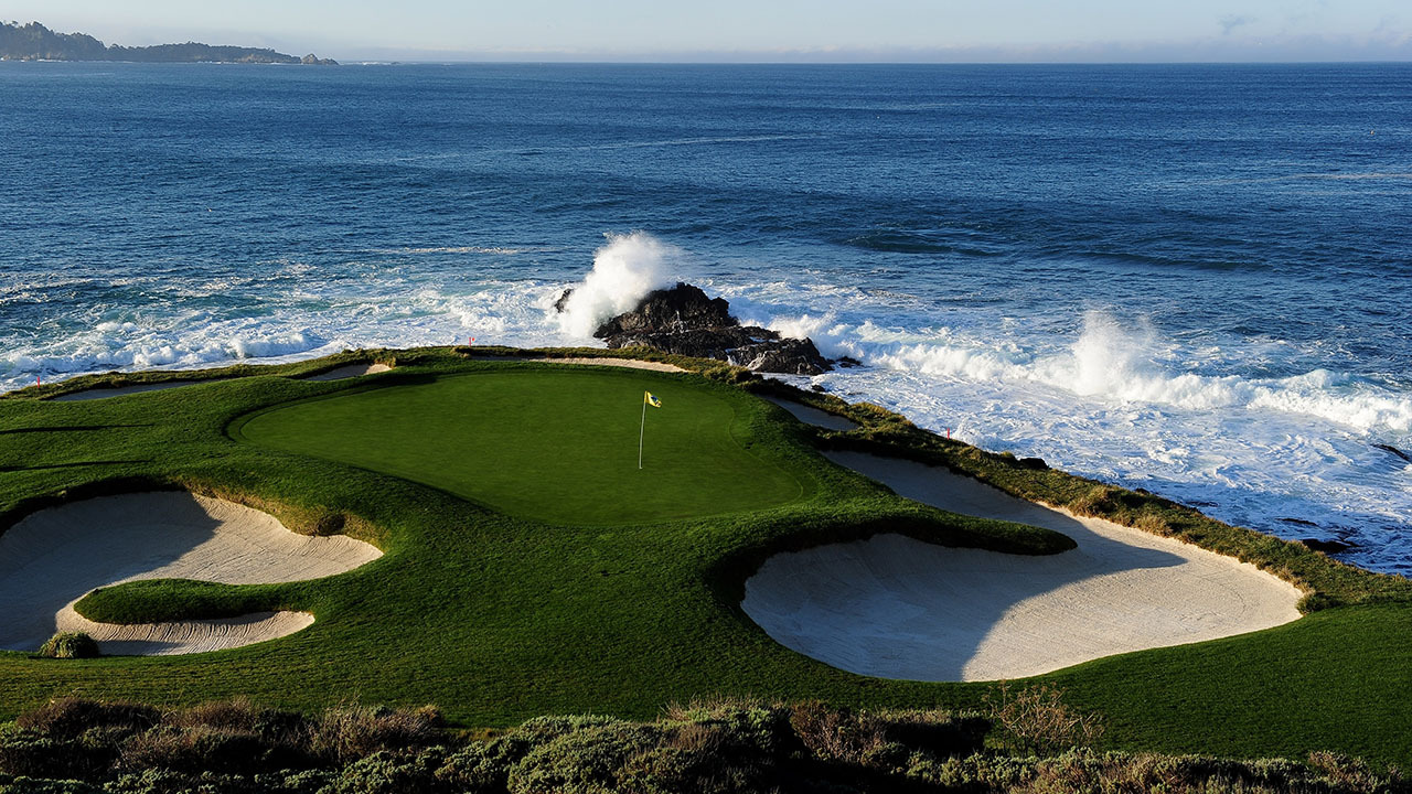 Pebble Beach: The Ultimate Golfer's Guide of Where to Play, Stay, Eat