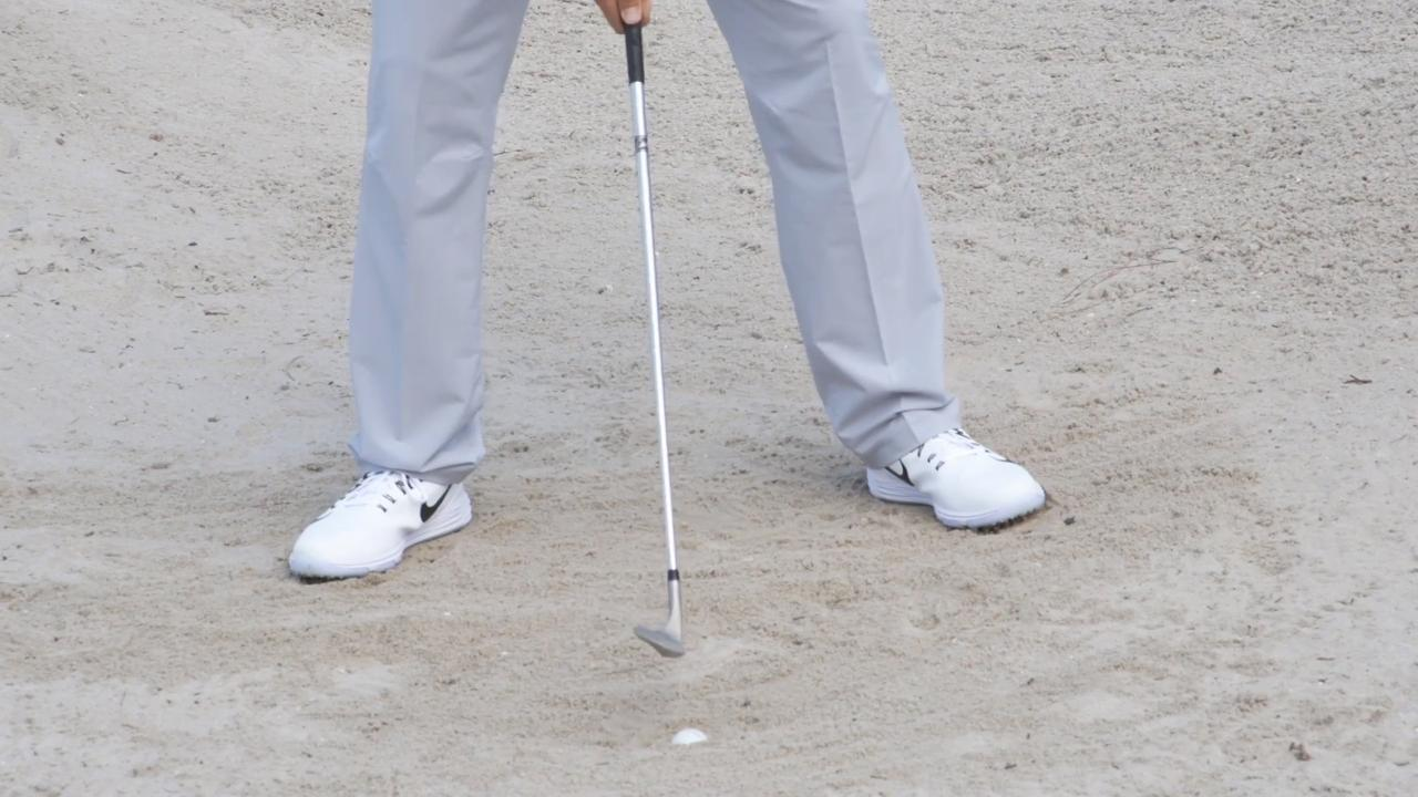 Here's how to tackle a short bunker shot in 4 steps