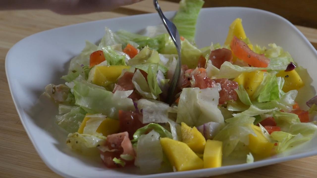 Video: Try This Mango Taco Salad Recipe