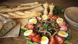 Como fazer salada niçoise francesa