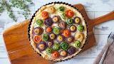 Torta salata con roselline di verdure