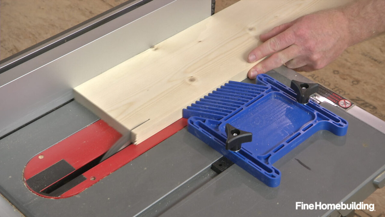 How to Use a Featherboard When Rip-Cutting Wood on a Tablesaw