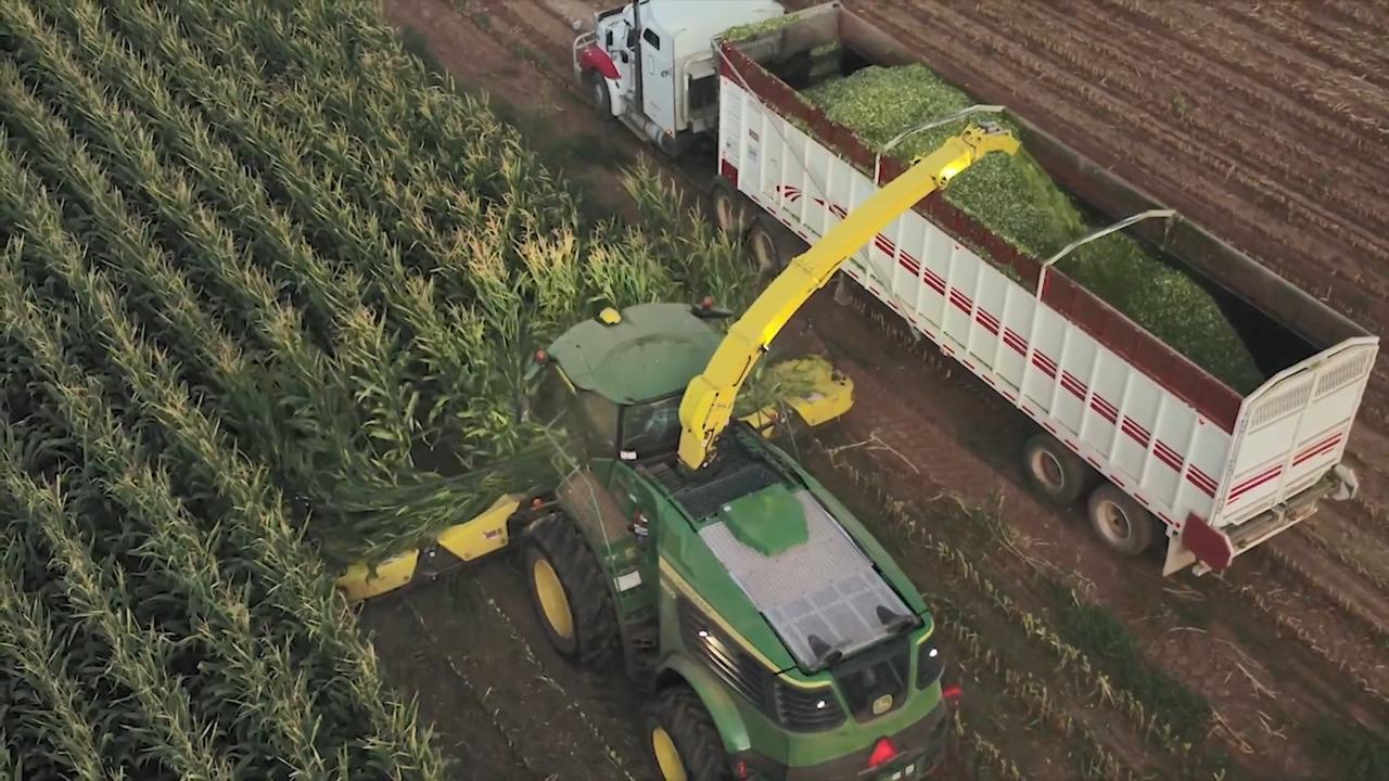 John Deere Debuts High-capacity Self-propelled Forage Harvesters