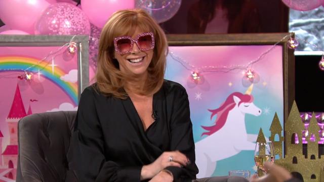 Chantal Lacroix à travers les lunettes roses
