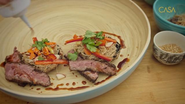 Salade de champignons Portobello et boeuf au sésame