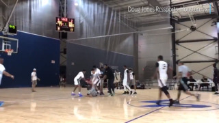 Vicious fight breaks out between referee, players at AAU game