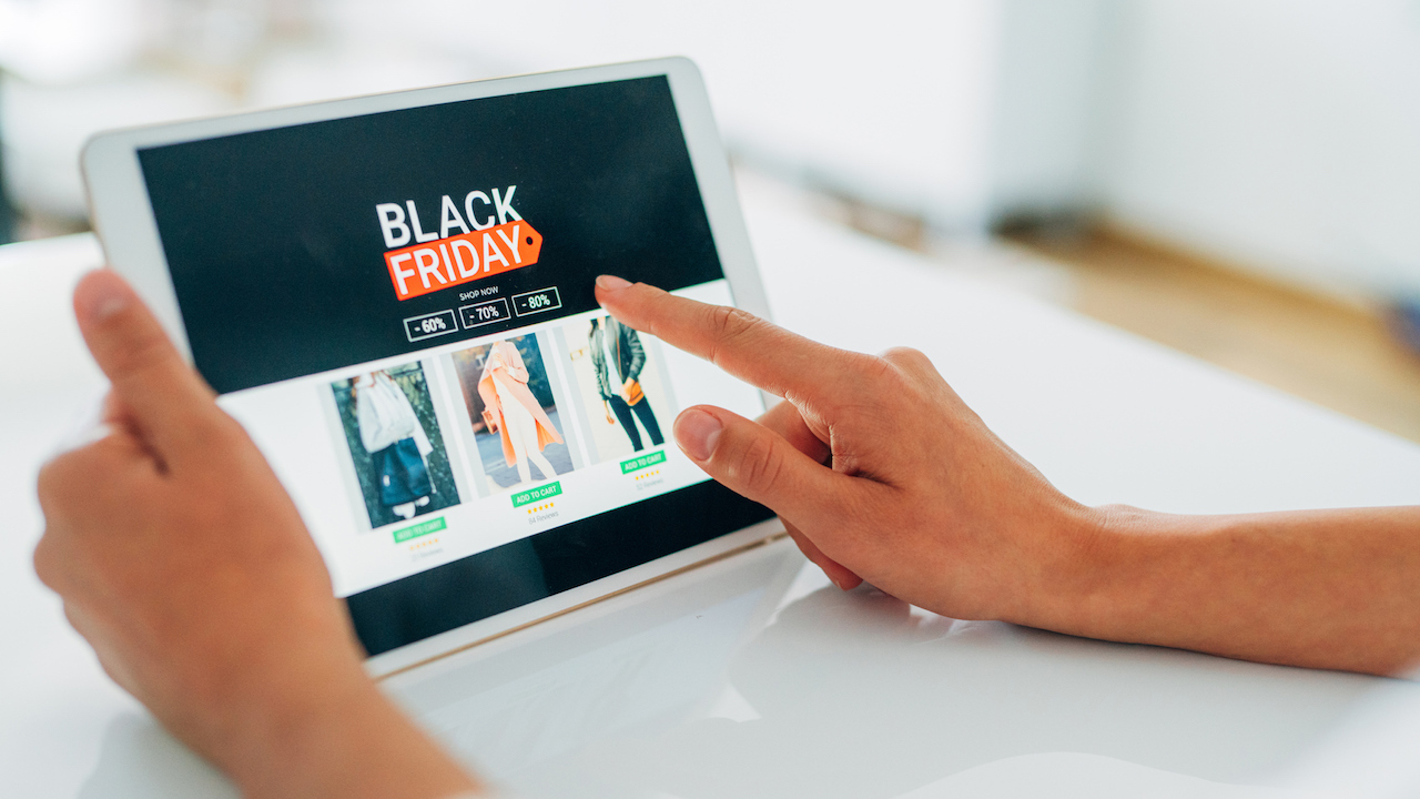 Holiday shopping online? You're better off putting down the phone, researchers say