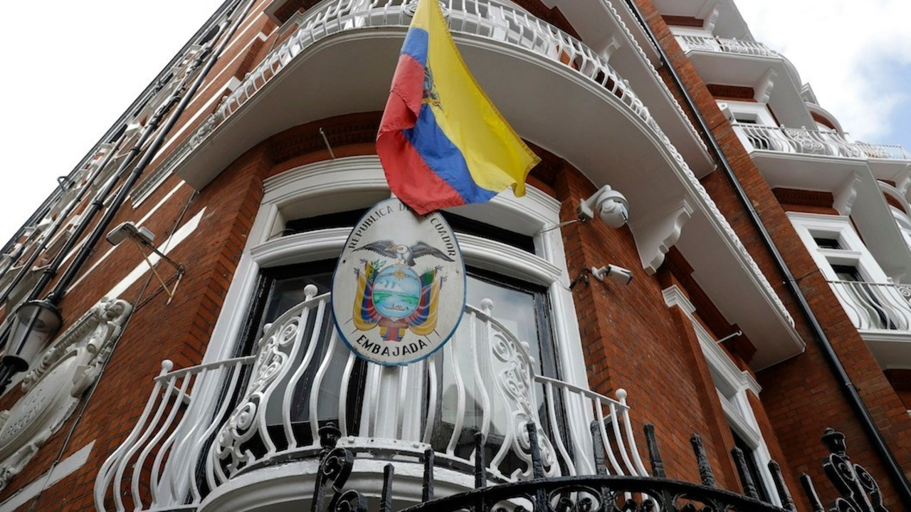 U.S. and Ecuador sign new agreement after Assange expelled