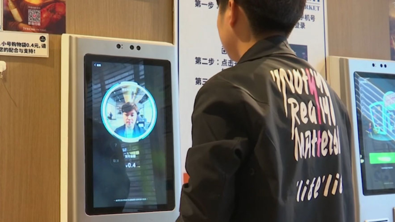 Retailers deploy facial recognition to battle shoplifters