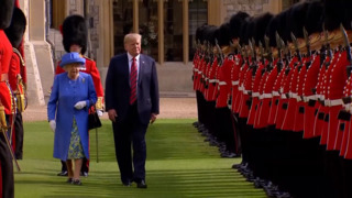 The Queen and Trump inspect honor guard