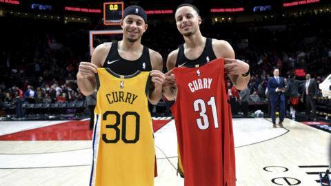 Steph and Seth Curry shared a sweet on-court moment after Warriors sweep