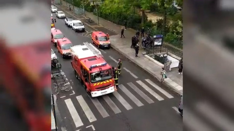 Police respond to scene of Paris knife attack