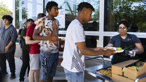 Free summer meal program serving thousands of kids kicks off in Sacramento City Unified