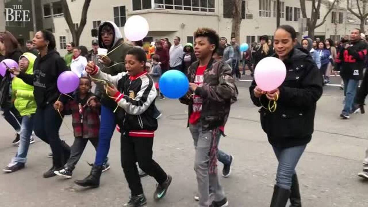thousands march in mlk day event in sacramento the sacramento bee. Black Bedroom Furniture Sets. Home Design Ideas