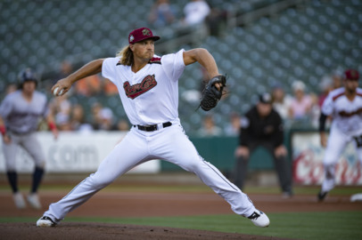 See the Sacramento River Cats win series opener  in Pacific Coast championship series