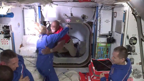 See moment astronaut Victor Glover of Cal Poly boards Space Station