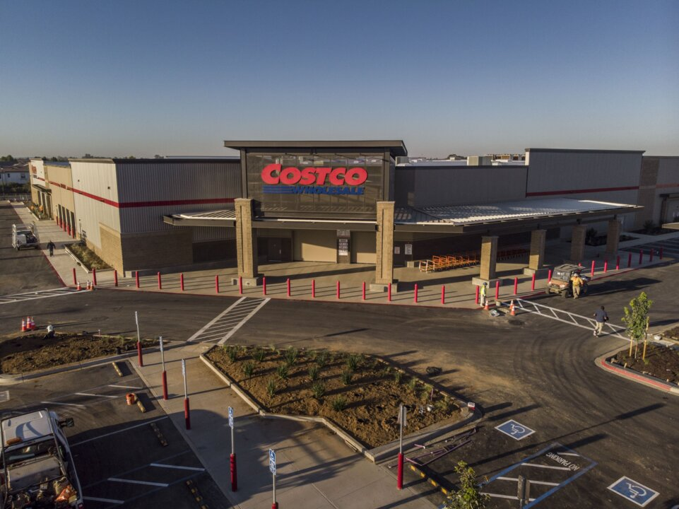 Costco Elk Grove After Christmas 2020 Specials Elk Grove Costco now open; shoppers flock to new store | The