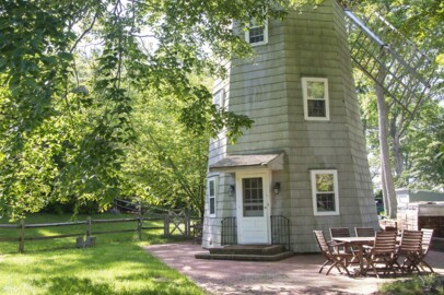 This is the Windmill House Marilyn Monroe rented in Hamptons