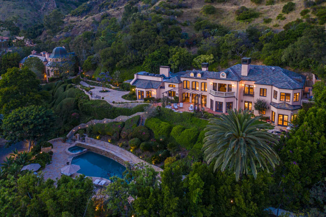 See Kelsey Grammer home featured on 'Real Housewives.' Yours for under $20 million