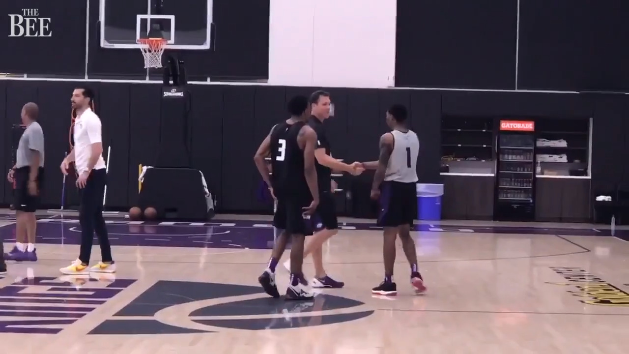 Walton's appearance at Kings workout speaks volumes to fans waiting for word on future