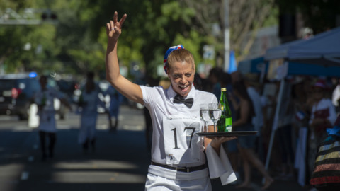 With grace and some spillage, waiters race through midtown on 10th annual Bastille Day