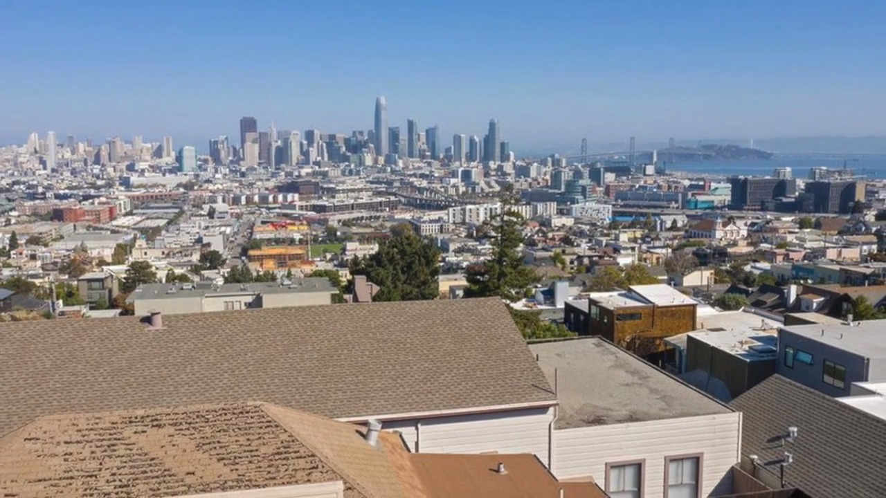 This $2.5 million shack in San Francisco isn't much to look at — but oh, what a view!