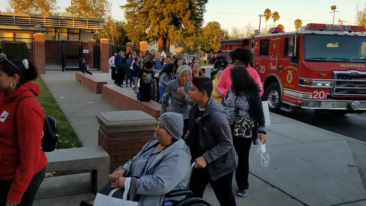 State Senator Richard Pan hosts annual Health & Safety fair, gives away free turkeys