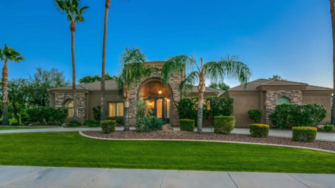 Check out Giants shortstop Brandon Crawford's $1.5 million Arizona home