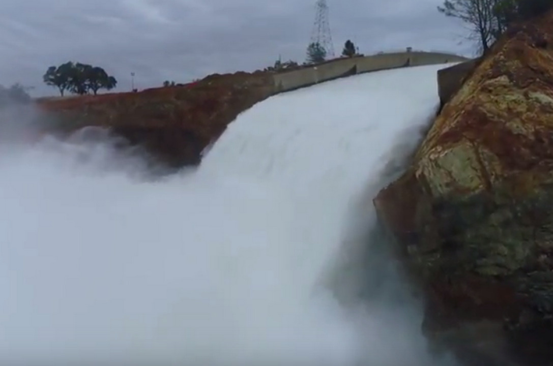 Angry public, insistent media uncloaking Oroville Dam repair secrecy