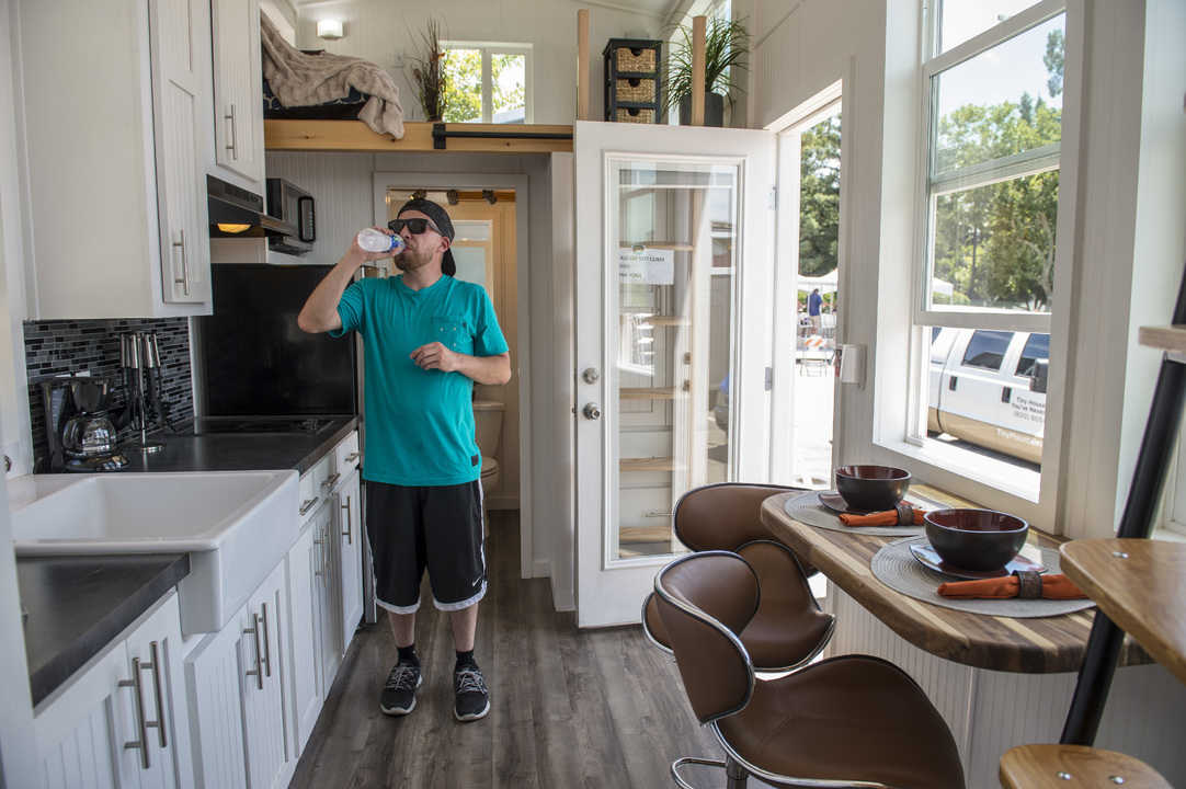 Tiny houses still look like dream homes, though they're still hard to use in Sacramento
